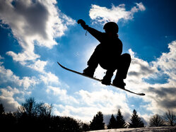 Online Skiing and Snowboarding Training Program. Workouts and nutrtion for the slopes.